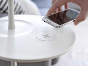 В американских Ikea стартовали продажи новой мебели с беспроводными системами зарядки