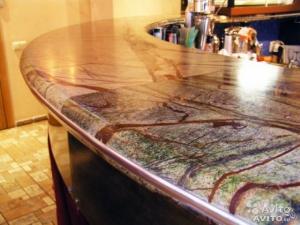 Мрамор и бронза в одной столешнице