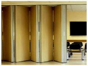 Практичность и удобство шкафа-«гармошки»