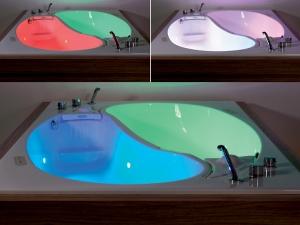 Светомузыка для ванной: модель для двоих