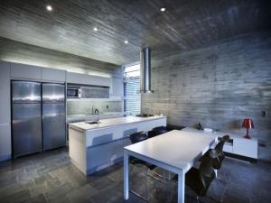 Бетонная кухня — вершина дизайнерской мысли и практичности