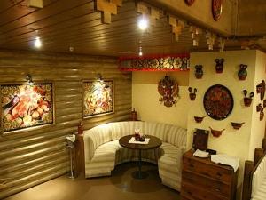 Мебель, расписанная в стиле хохломы