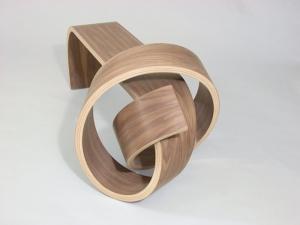 Оригинальная мебель, завязанная узлом