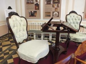 В Рождествено представят мебель Гамбса