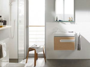 Мебель для ванной в оригинальной расцветке