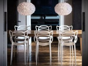 Новая коллекция деревянной мебели Kartell признана отличной