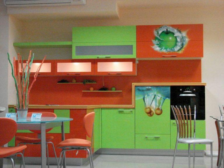 кухня зеленого и оранжевого цвета фото брак